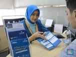 Direksi bank bjb Layani Nasabah di Hari Pelanggan Nasional