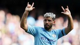 Manchester City membantai Brighton & Hove Albion 4-0. Sergio Aguero cetak dua gol dan satu assist. (REUTERS/Jon Super)
