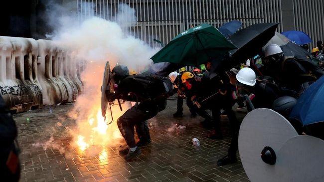 Polisi Hong Kong Pakai Semprotan Merica untuk Halau Pedemo