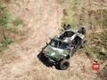'Mengaduk' Rawa Pakai Kendaraan Taktis TNI Buatan Tangerang