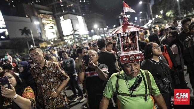 Gubernur DKI Jakarta Anies Baswedan membanggakan Jakarta Muharram Festival yang digelar malam ini di Bundaran HI, Jakarta Pusat. (CNN Indonesia/Bisma Septalisma)