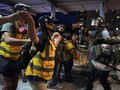 China Puji Cara Polisi Hong Kong Tangani Demonstran Brutal