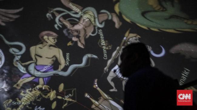 Ruang ekshibisi/pameran dimana pengunjung bisa mendapatkan informasi-wawasan seputar dunia antariksa, teknologi dan sejarahnya, bahkan legenda yang terkait.