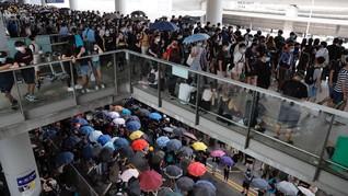 Takut Disasar Pedemo, Mahasiswa China Keluar dari Hong Kong