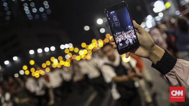 Jakarta Muharram Festival dimeriahkan dengan pawai obor elektrik yang akan diikuti oleh 2.600 peserta dari lima wilayah di Indonesia. (CNN Indonesia/Bisma Septalisma)