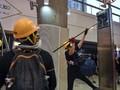 FOTO : Demonstran Kepung Stasiun MRT Hong Kong