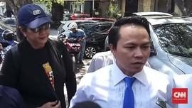 Berbaju Garuda Pancasila, Tri Susanti Penuhi Panggilan Polisi