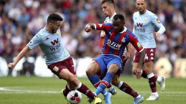 Crystal Palace mengalahkan Aston Villa 1-0 berkat gol Jordan Ayew, Sabtu (31/8). (Bradley Collyer/PA via AP)