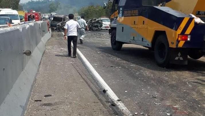 Kemenhub punya catatan tersendiri terkait kecelakaan maut di Jalan Tol Cikampek-Purwakarta-Padalarang KM 91+400, Plered, Purwakarta, Jabar, Senin (2/9/2019).