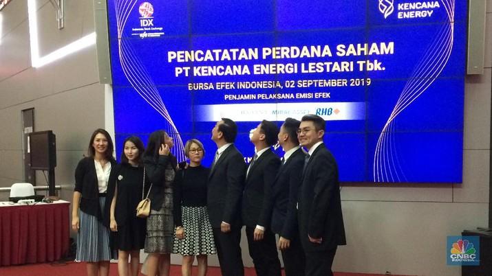 PT Kencana Energi Lestari Tbk (KEEN) mencatatkan saham perdana (listing) di Bursa Efek Indonesia.