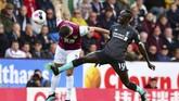 Liverpool menghajar tuan rumah Burnley 3-0, Sabtu (31/9). Sadio Mane cetak satu gol.(Anthony Devlin/PA via AP)