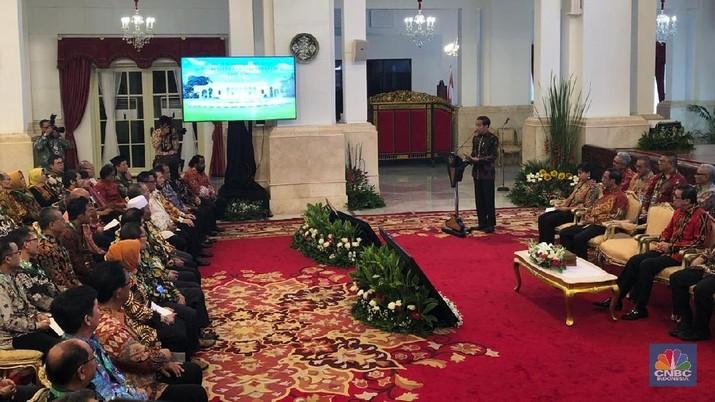 Soal Kabinet Baru, Jokowi: Sabar! Kita Pasti Umumkan