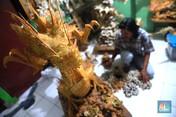 Keren! Seniman ini Ubah Tulang Ikan Jadi Kerajinan Berkelas