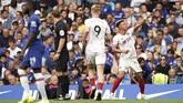 Chelsea ditahan tim tamu Sheffield United 2-2 di Stadion Stamford Bridge, Sabtu (31/8). Dua gol Chelsea dicetak Tammy Abraham. Sheffieldmenyamakan skor lewat gol callum Robinson dan gol gol bunuh diri Kurt Zouma. (John Walton/PA via AP)