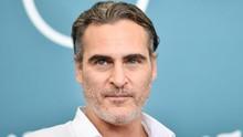 Joaquin Phoenix Produksi Film soal Perasaan Seekor Babi