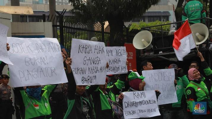 Kemarin, ratusan driver Gojek demo di Kedutaan Besar (Kedubes) Malaysia di Jakarta yang protes atas pernyataan bos taksi Malaysia Shamsubahrin Ismail