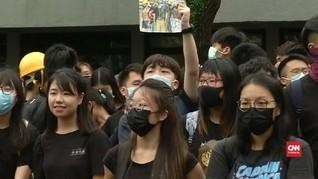 Kerusuhan Bikin Peringkat Surat Utang Hong Kong Turun