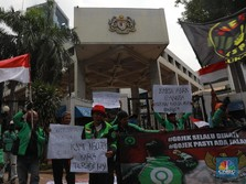 Driver Gojek Demo & Rencana Bos Taksi Malaysia ke Jakarta