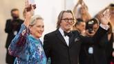 Aktor senior seperti Gary Oldman dan Meryl Streep juga memeriahkan Venice Film Festival pada 1 September lalu. (Arthur Mola/Invision/AP)