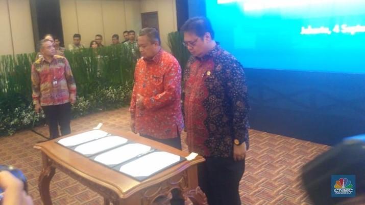 Pemerintah dan Bank Indonesia serta Otoritas Jasa Keuangan (OJK) menyepakati 6 (enam) langkah strategis.