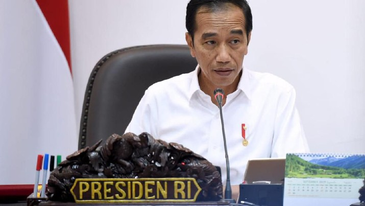 Presiden Joko Widodo (Jokowi) telah berulang kali meminta kepada Menteri terkait pemotongan birokrasi yang menghambat investasi.