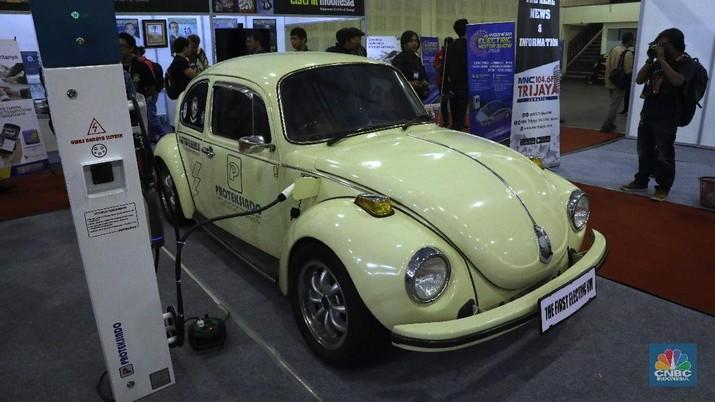 Mobil klasik ini tidak dijual, namun pemilik mengaku jika ada yang berminat dengan mobil kodok ini, ia akan melepasnya seharga Rp 900 juta.