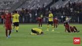 Konsentrasi pemain Timnas Indonesia terpecah dan terpaksa menyerah 2-3 dari Malaysia di laga perdana Kualifikasi Piala Dunia 2022. (CNNIndonesia/Adhi Wicaksono)