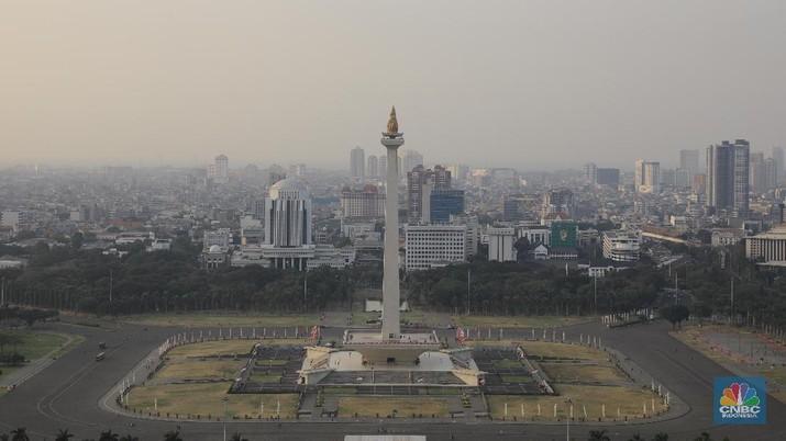 Kepolisian Republik Indonesia (Polri) melakukan konferensi pers terkait ledakan di Monas. Ternyata ledakan berasal dari granat asap.
