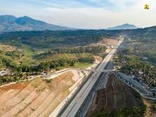 Jokowi Pamerkan Tol Cisumdawu yang Tembus Perut Gunung