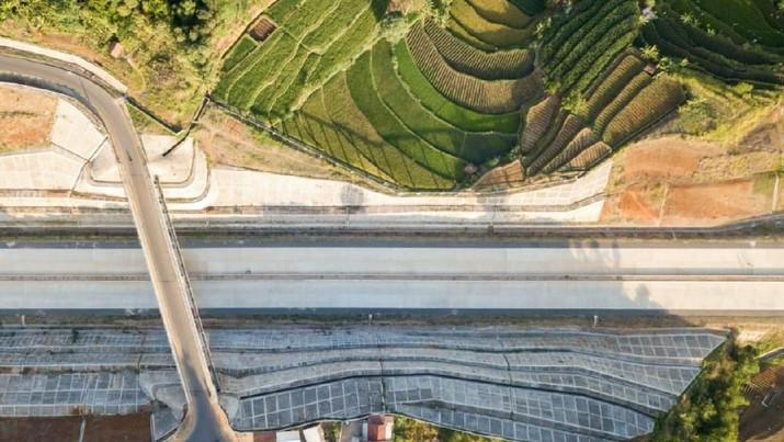 Tol Cisumdawu juga akan menjadi salah satu tol dengan pemandangan yang sangat indah dan punya terowongan tol terpanjang.