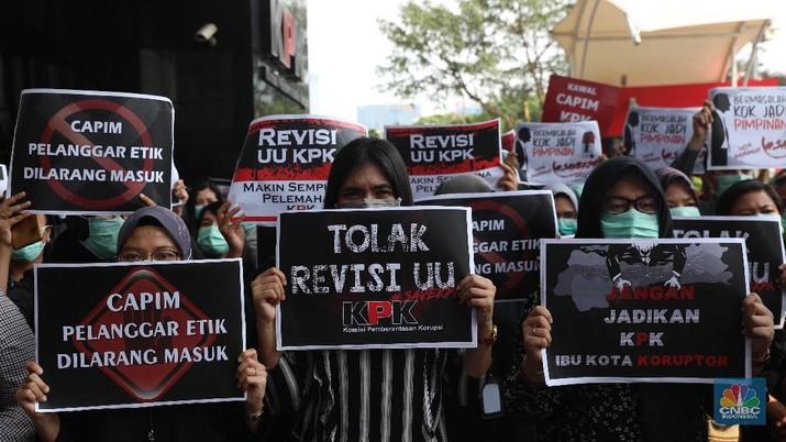 Pegawai Gelar Aksi Tolak Revisi UU KPK: Pak Jokowi di Mana?