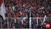 Suporter Indonesia juga mengkritik kebijakan PSSI yang menjual tiket dengan harga mahal. (CNNIndonesia/Adhi Wicaksono)