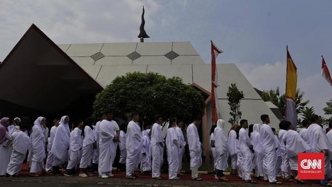 Ruwatan sukerta merupakan ritual kuno pembersihan diri yang sudah dikenal masyarakat Jawa jauh sebelum masuknya agama-agama samawi di Indonesia.