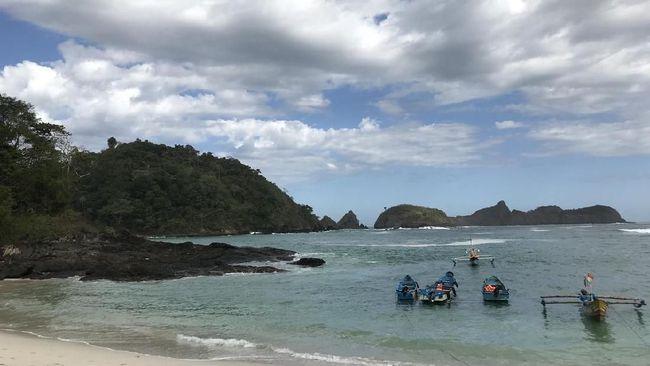 Pantai Wedi Ireng, 'Raja Ampat Mini' di Banyuwangi