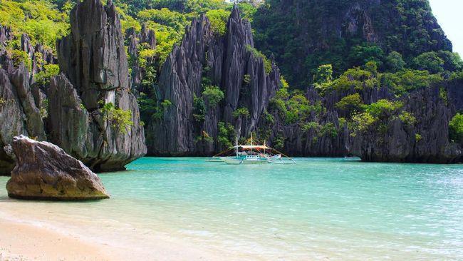 10 Pantai Indah di Filipina untuk Snorkeling sampai Surfing