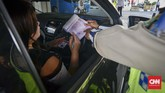 Polisi tegas tetap menindak pelanggar kawasan ganjil genap karena uji coba sudah dilakukan selama sebulan terakhir termasuk dengan memasang rambu-rambu. (CNN Indonesia/Daniela Dinda)