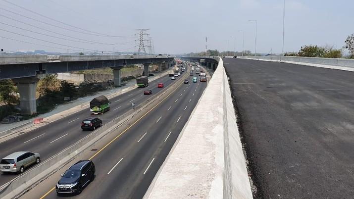 Tol Jakarta-Cikampek (Japek) Elevated II atau Tol Layang Japek (Ist Jasamarga)