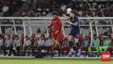 Stefano Lilipaly gagal mendongkrak ketajaman lini depan Timnas Indonesia saat menghadapi Thailand di GBK. Pemain naturalisasi asal Belanda ini nyaris tak memiliki peluang emas di sepanjang laga. (CNN Indonesia/Adhi Wicaksono)