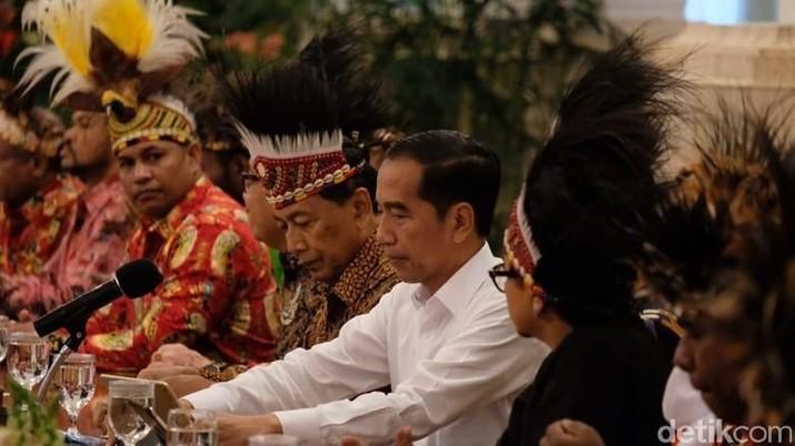 Bencana Ambon & Kisruh Papua, Jokowi Kirim Paket Bantuan