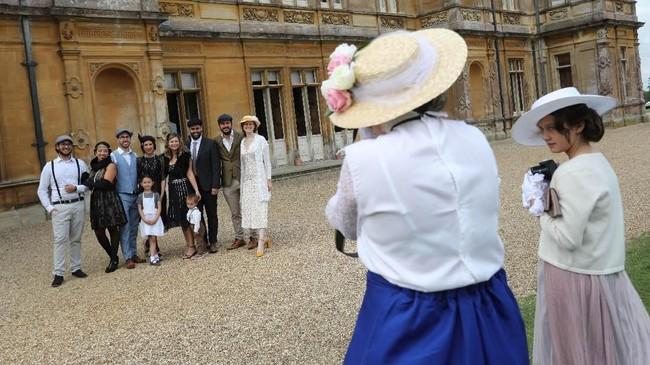 Sejak serial Downton Abbey tayang, pengunjung yang mendatangi kastil berlipat ganda menjadi 90 ribu orang per tahun. (Photo by Isabel INFANTES / AFP)