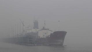 Enam Perompak Susupi Kapal Tanker di Selat Singapura