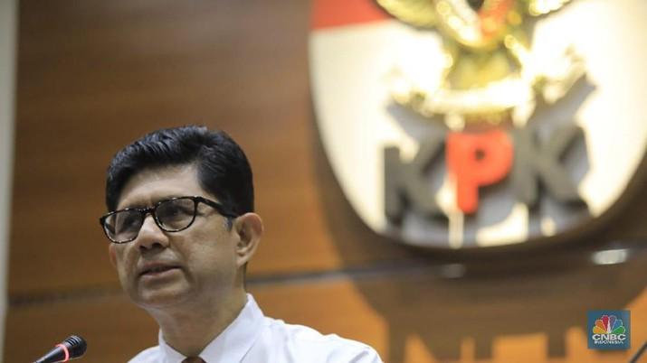 Banyak yang bertanya-tanya, apakah KPK akan memburu mafia migas usai menjadikan eks bos Petral tersangka