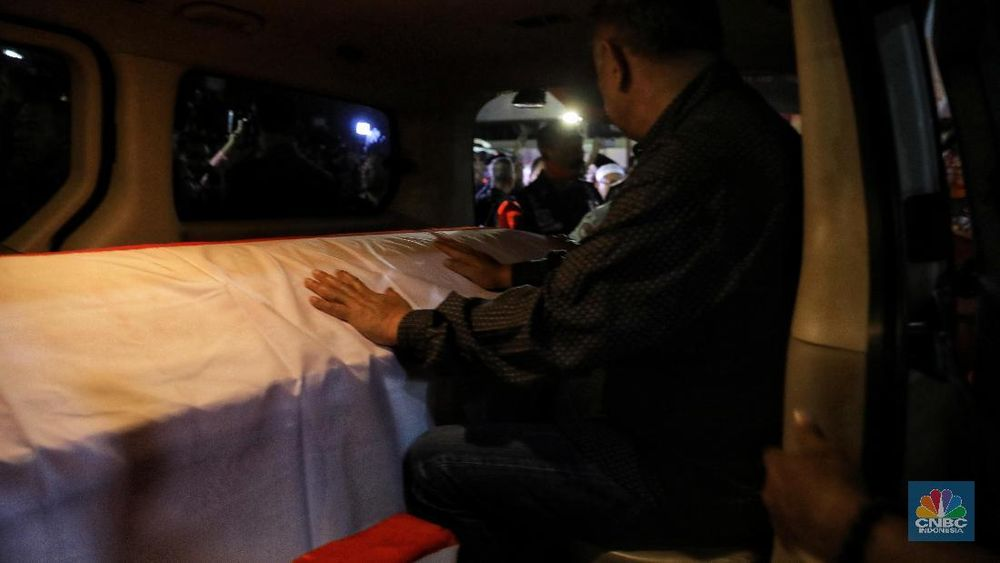 Habibie meninggal dunia pada Rabu (11/9) pukul 18.05 WIB di RSPAD Gatot Soebroto. Kabar meninggal ini disampaikan putranya, Thareq Kemal.