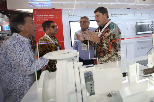 ABB Ramaikan Pameran Electric & Power Indonesia