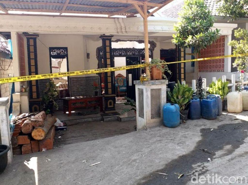 Sebuah bom ikan atau bondet meledak di dalam rumah warga Dusun Ketondo Desa Karangjati Kecamatan Lumbang Kabupaten Pasuruan.