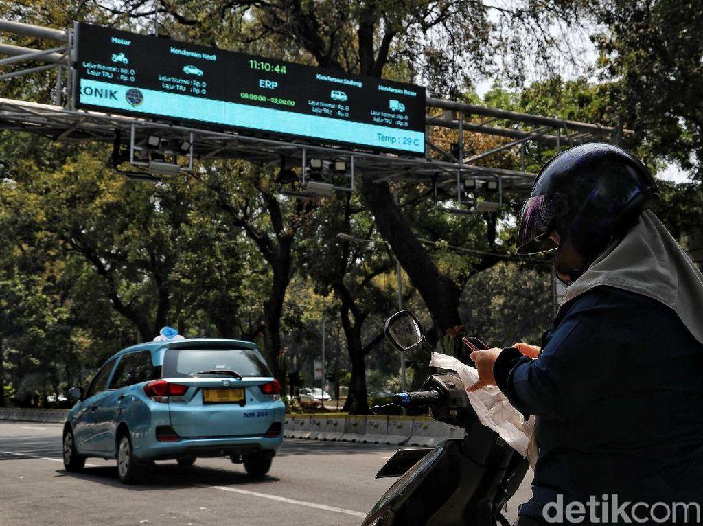 Pemerintah Provinsi DKI Jakarta membatalkan lelang proyek jalan berbayar atau electronic road pricing ( ERP) untuk mengikuti rekomendasi Kejaksaan Agung (Kejagung).