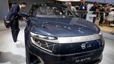 Byton salah satu mobil bertenaga listrik asal China 'unjuk gigi' bersama mobil-mobil merek Eropa. (AP Photo/Michael Probst)