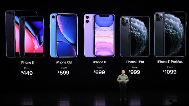 iPhone 11 dijual mulai dari US$699 (sekitar Rp9,8 juta), iPhone 11 Pro mulai dari US$999 (setara Rp14 juta) dan iPhone 11 Pro Max dibanderol mulai US$1099 (sekitar Rp15,4 juta). (Photo by Josh Edelson / AFP)