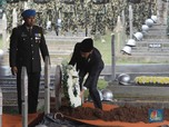 Dipimpin Jokowi, Jenazah Habibie Dimakamkan di TMP Kalibata