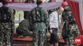 Sementara itu Ilham Akbar, putra Habibie yang mewakili keluarga memberikan ucapan perpisahan, menyampaikan pesan Habibie bahwa ayahnya menginginkan agar persatuan Indonesia tetap dijaga. (CNN Indonesia/Adhi Wicaksono)